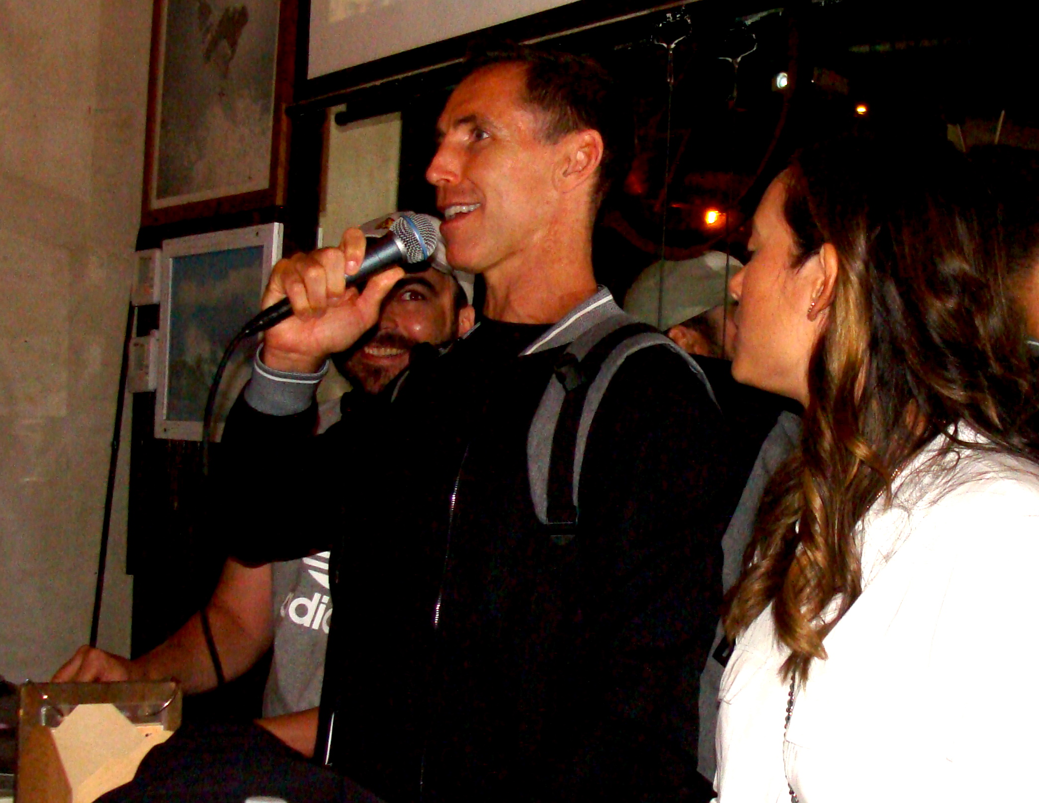 DSC04251-Steve-on-the-mic-at-Watermans