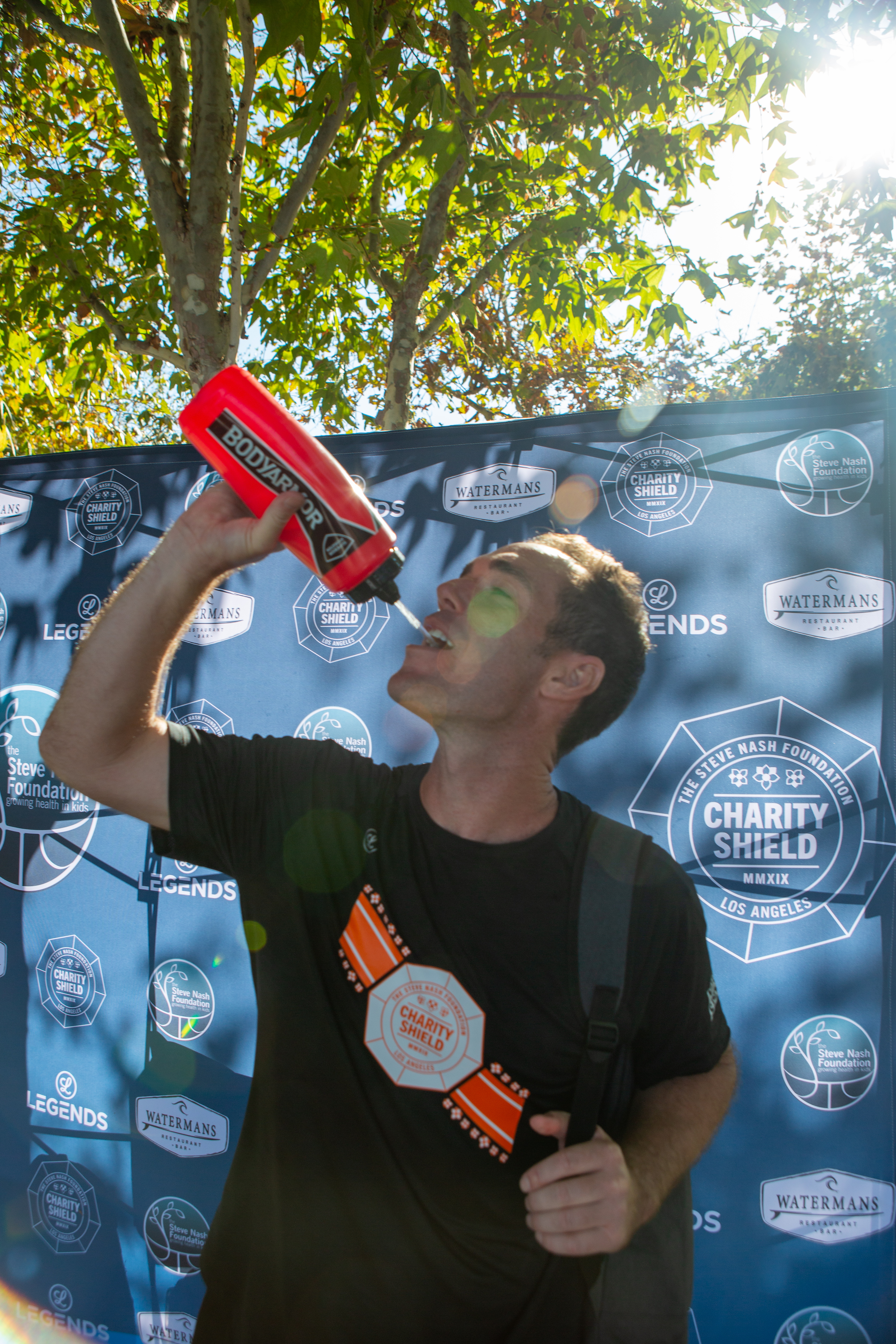 191005CS01340-Cooling-Off-with-BODYARMOR-waterbottle